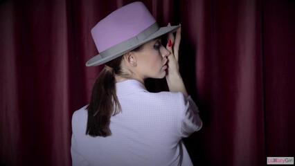 Сочный секс с грудастой любовницей в шляпе
